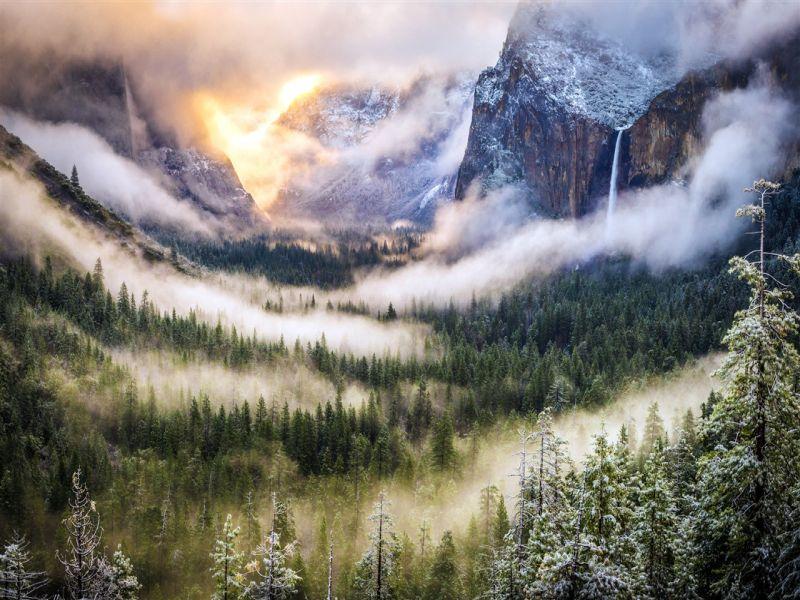 Пазл Собирать пазлы онлайн - Туман в горах