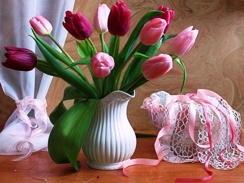 Пазл Собирать пазлы онлайн - Тюльпаны и кружева