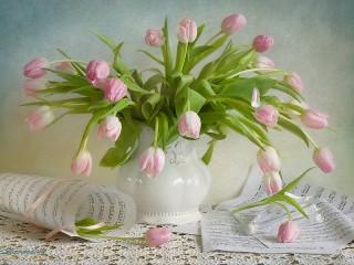 Собирать пазл Тюльпаны и ноты онлайн