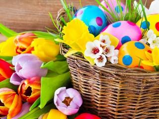 Собирать пазл Тюльпаны и писанки онлайн