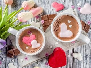 Собирать пазл Тюльпаны и шоколад онлайн