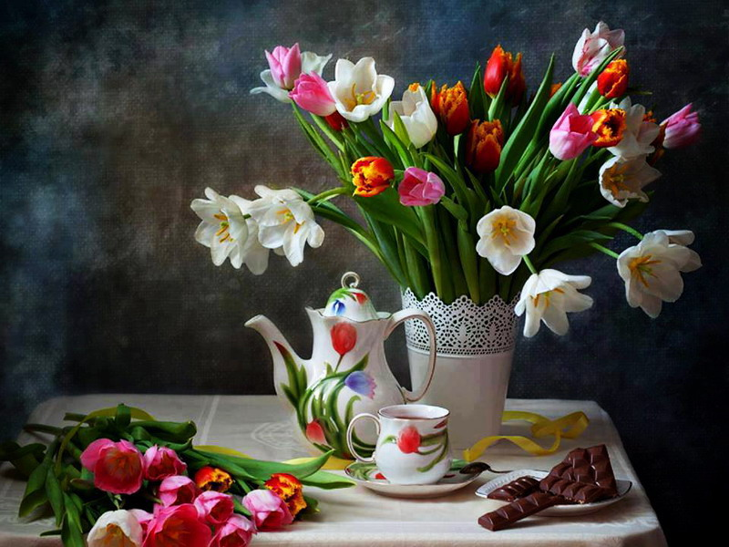Пазл Собирать пазлы онлайн - Тюльпаны натюрморт