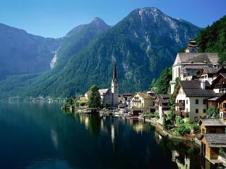 Собирать пазл У озера. Австрия онлайн