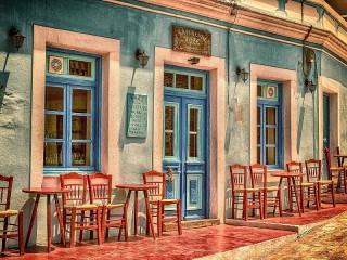 Собирать пазл Уличное кафе онлайн