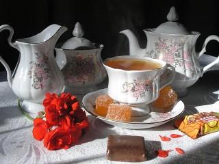 Собирать пазл Утреннее чаепитие онлайн