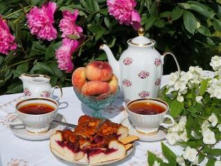 Собирать пазл Утренний чай онлайн