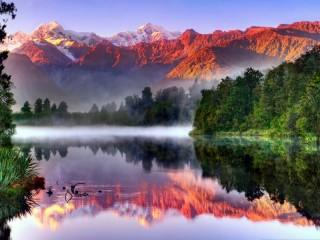 Собирать пазл Утро в горах онлайн