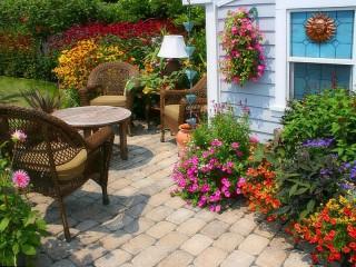 Собирать пазл Уютный дворик онлайн