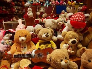 Собирать пазл В игрушечном магазине онлайн