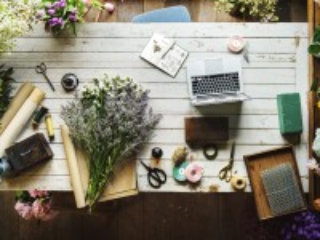 Собирать пазл В цветочной лавке онлайн