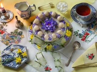 Собирать пазл Васильковый торт онлайн