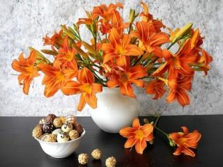 Собирать пазл Ваза с лилиями онлайн