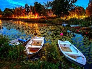 Собирать пазл Вечер. Лодки онлайн