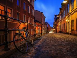 Собирать пазл Вечерняя улица онлайн