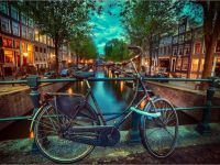 Собирать пазл Велосипед на мосту онлайн