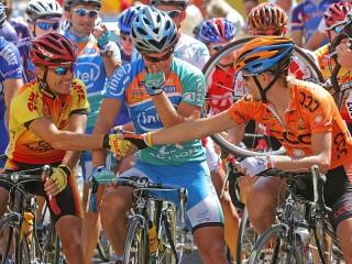 Собирать пазл Велосипедисты онлайн