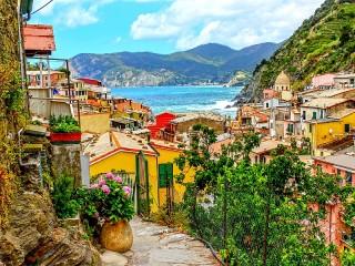 Собирать пазл Вернацца Италия онлайн