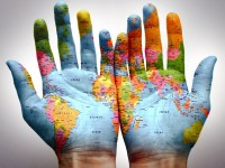 Собирать пазл Весь мир в ладонях онлайн