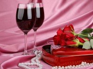 Собирать пазл Вино и цветы онлайн