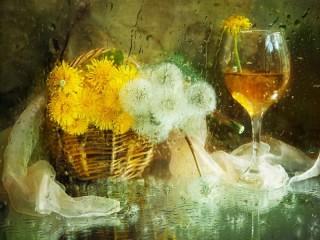 Собирать пазл Вино из одуванчиков онлайн