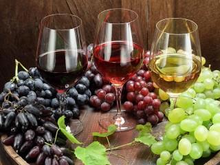 Собирать пазл Вино в ассортименте онлайн