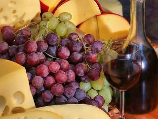 Собирать пазл Виноград и бокал онлайн