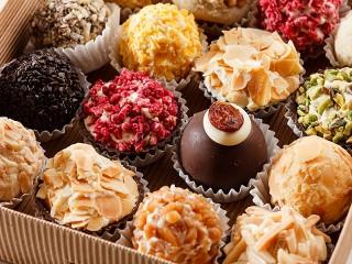 Собирать пазл Вкусные конфетки онлайн