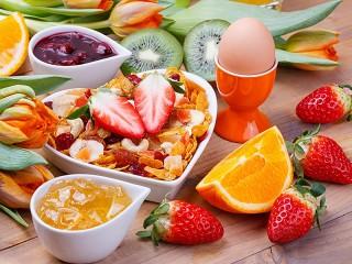 Собирать пазл Вкусный завтрак онлайн