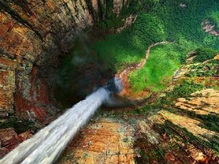Собирать пазл Водопад Анхель онлайн