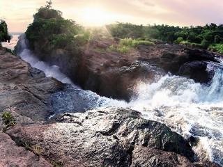 Собирать пазл Водопад Кабалега онлайн