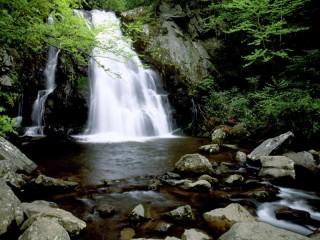 Собирать пазл Водопад камни онлайн