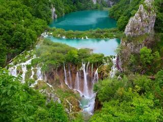 Собирать пазл Водопад в Хорватии онлайн