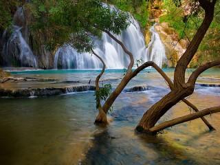 Собирать пазл Водопад в Исландии онлайн