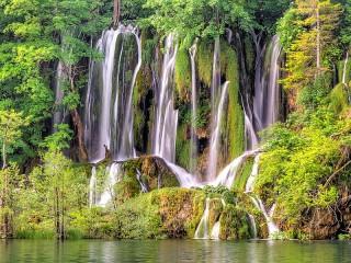 Собирать пазл Водопады Хорватии онлайн