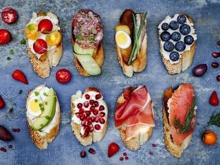 Собирать пазл Восемь бутербродов онлайн