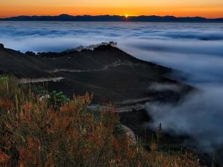 Собирать пазл Восход и туман онлайн