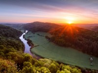 Собирать пазл Восход на реке Уай онлайн