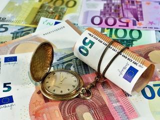 Собирать пазл Время - деньги онлайн