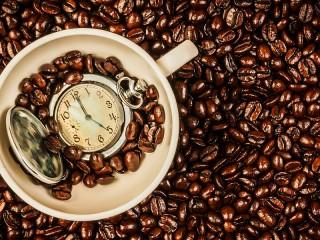 Собирать пазл Время пить кофе онлайн
