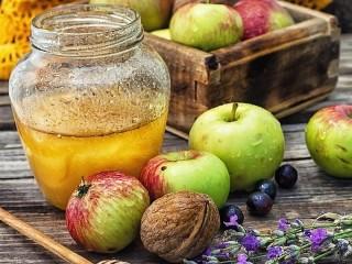 Собирать пазл Яблоки и мёд онлайн
