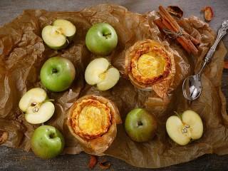 Собирать пазл Яблоки и выпечка онлайн