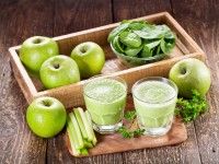 Собирать пазл Яблоки с зеленью онлайн