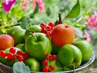 Собирать пазл Ягоды да фрукты онлайн