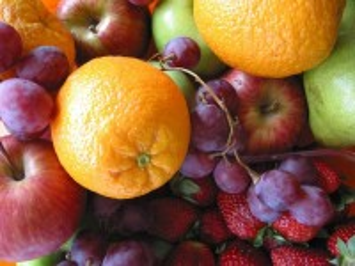 Собирать пазл Ягоды и фрукты онлайн