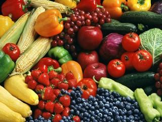 Собирать пазл Ягоды и овощи онлайн