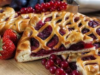 Собирать пазл Ягодный пирог онлайн