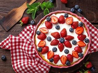 Собирать пазл Ягодно-мятный пирог онлайн
