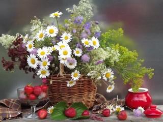 Собирать пазл Ягодно-цветочное настроение онлайн
