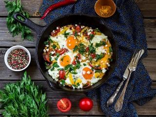 Собирать пазл Яичница на завтрак онлайн