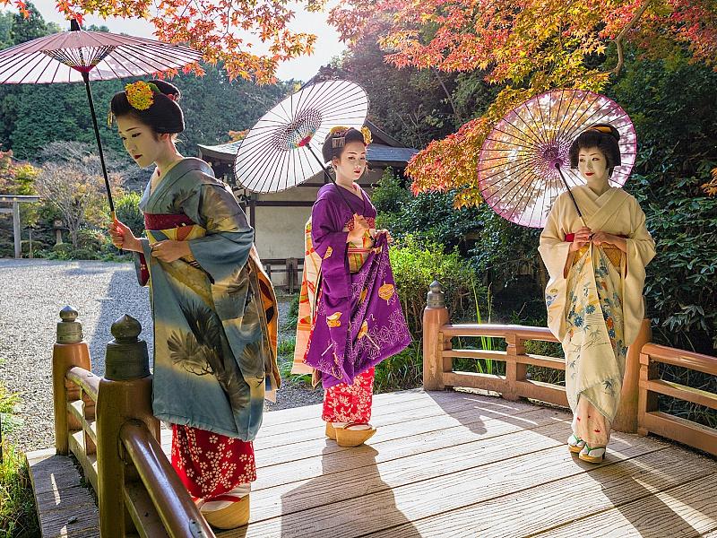 Пазл Собирать пазлы онлайн - Японские гейши